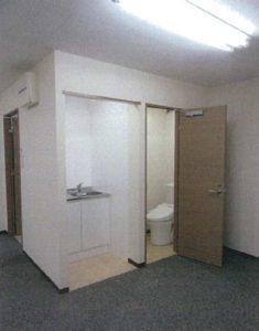 室内ミニキッチン&トイレ